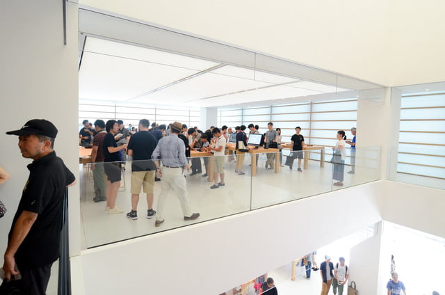 apple store opens in kyoto japan trevor mogg dt 20