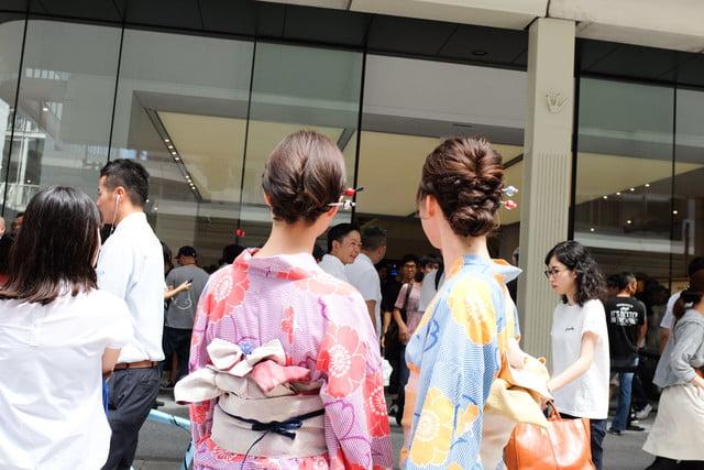 apple store opens in kyoto japan trevor mogg dt 29