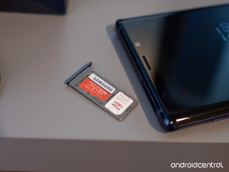 galaxy-note-9-blue-sd-card-slot-2.jpg?it