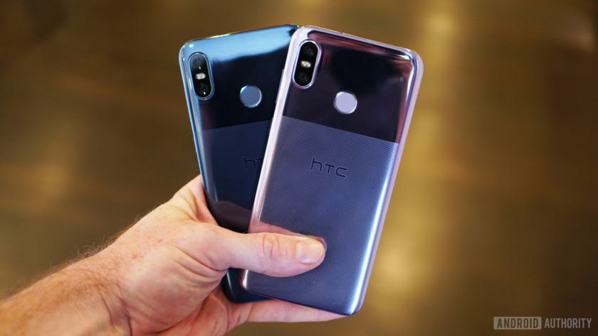 HTC U12 Life Moonlight Blue and Twilight Purple colors in hand