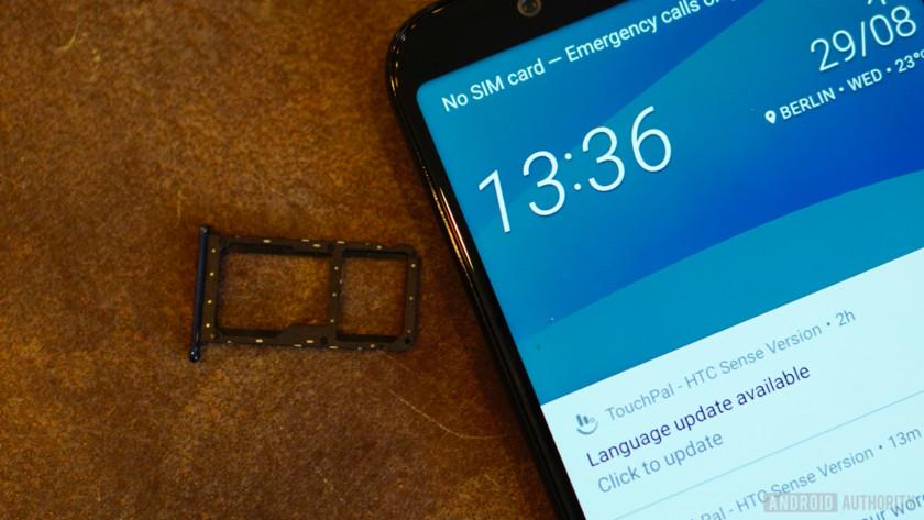 HTC U12 Life hybrid dual SIM and microSD card tray