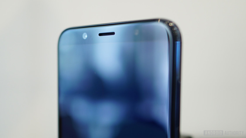 HTC U12 Life front-facing speaker no notch top bezel