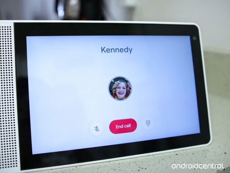lenovo-smart-display-phone-call.jpg?itok
