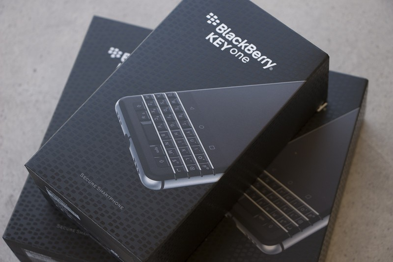 blackberry-keyone-boxes-1.jpg?itok=6EvZV