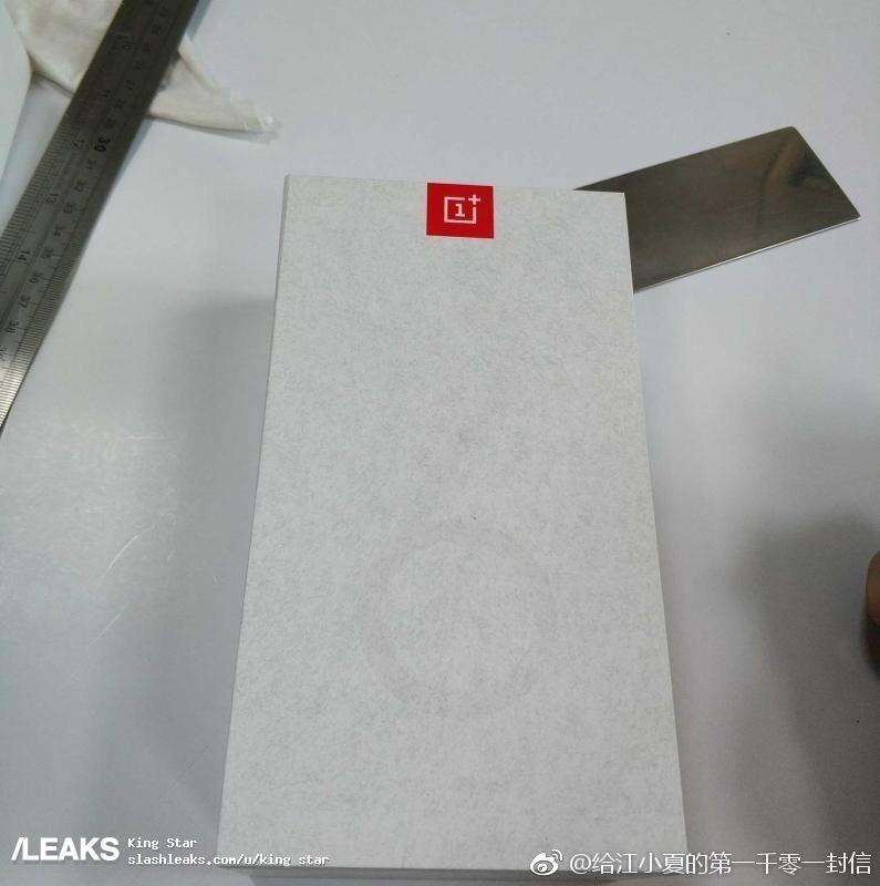 oneplus-6t-box-4.jpg?itok=dTGvJqFn
