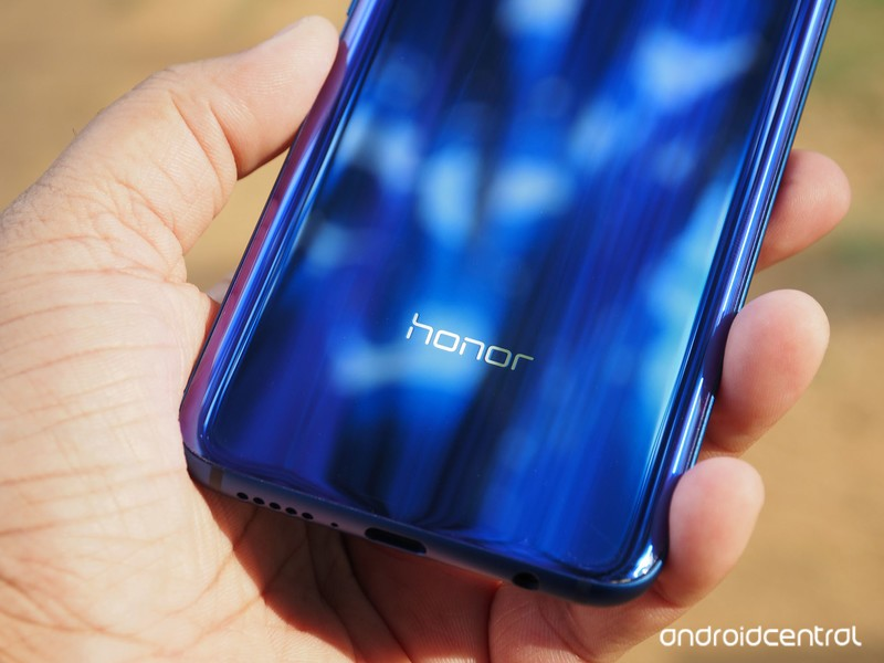 honor-10-review-3.jpg?itok=GvNUmyCu
