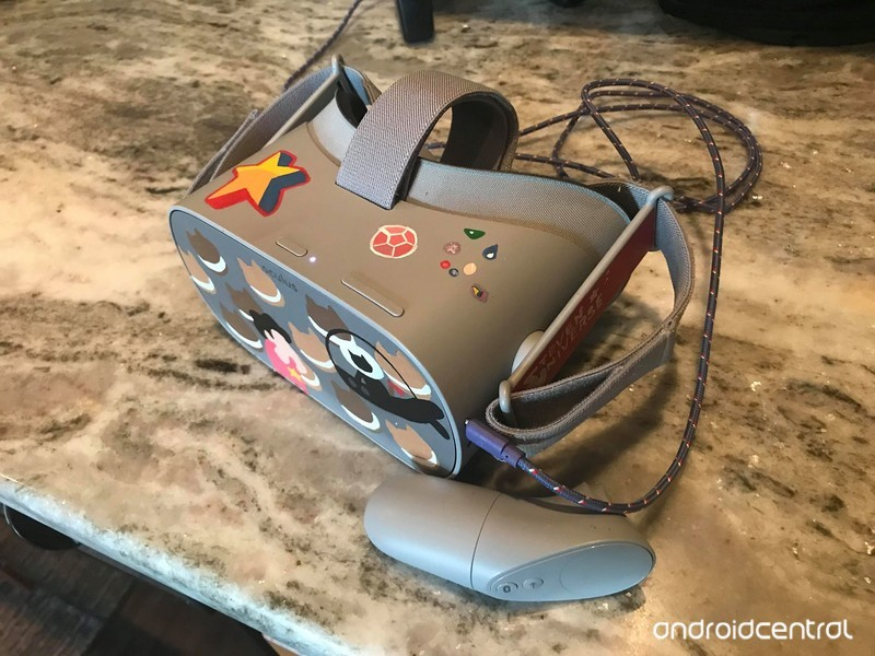 oculus-go-charging-cables.jpg?itok=jwFJA