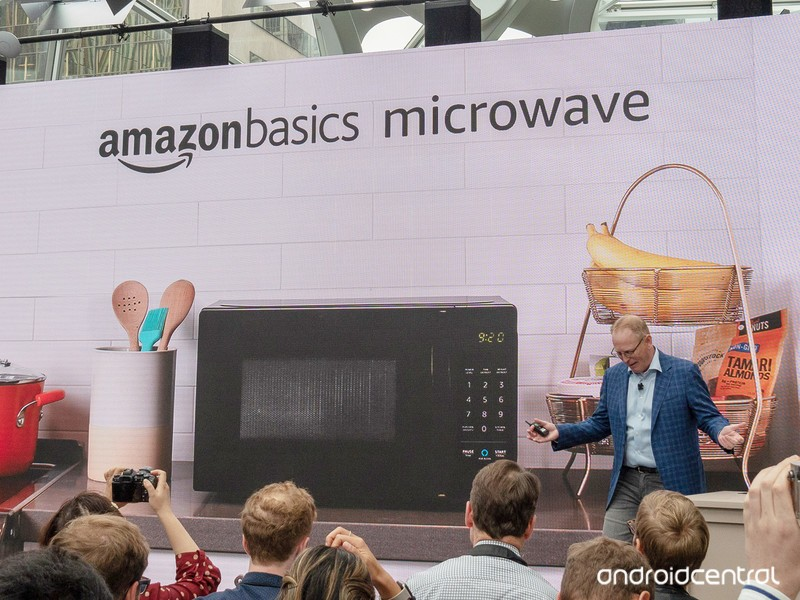amazon-basics-microwave.jpg?itok=WiSe9rT