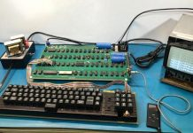 Functional Apple-1 Computer Sells for $375,000 at Auction