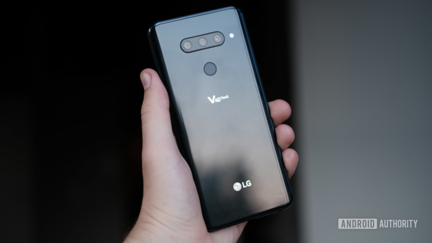 LG V40 ThinQ ports in hand, LG V40 review