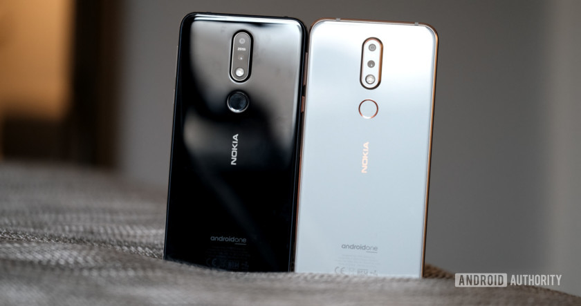 Nokia 7.1 back of both colors, Nokia 7.1 review