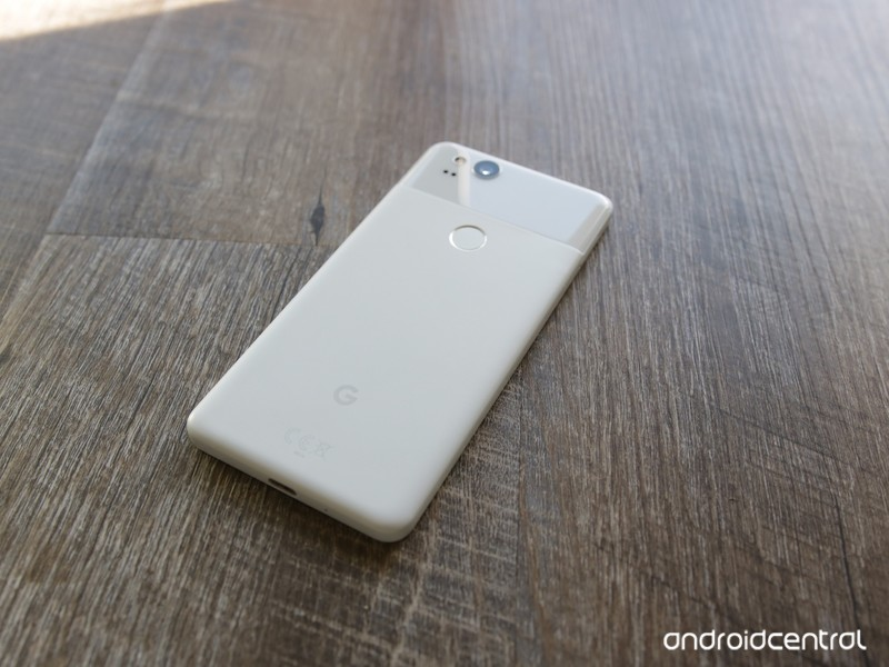 google-pixel-2-one-year-later-review-3.j