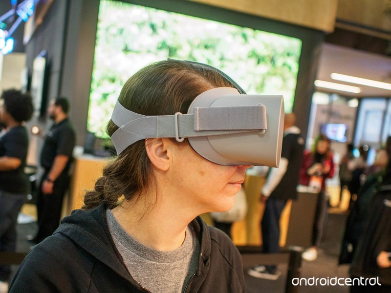 oculus-go-lory-profile.jpg?itok=f4t5gZDw