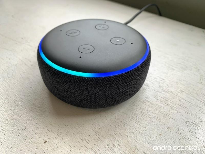 echo-dot-3.jpg?itok=NqUtyoJ5