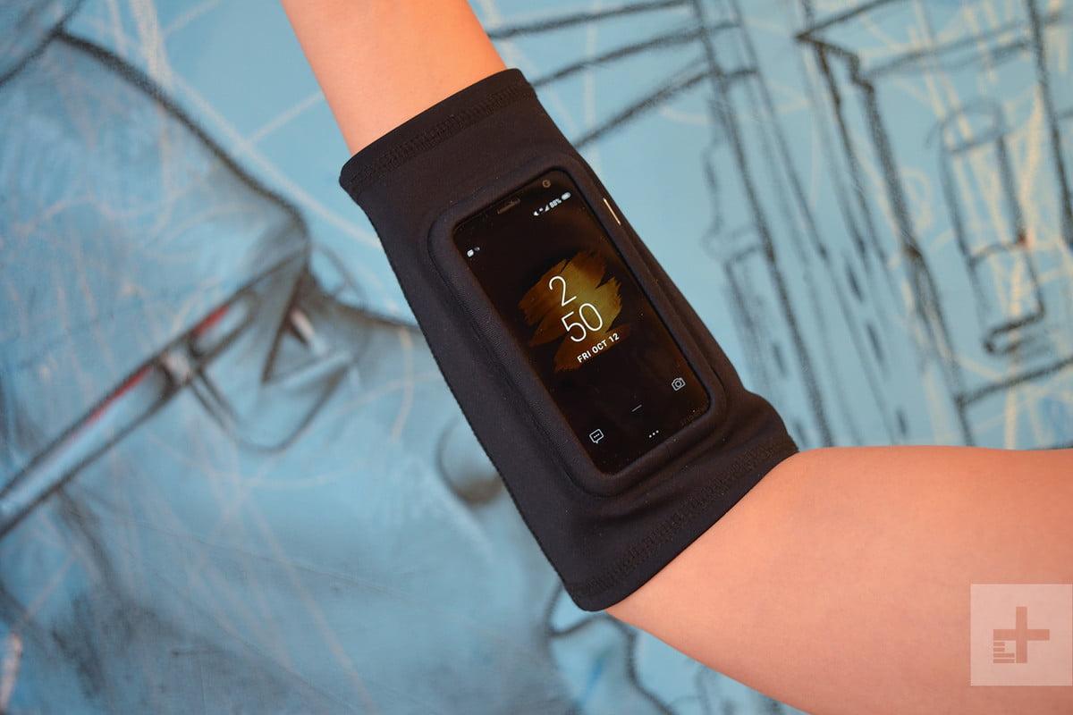Palm armband