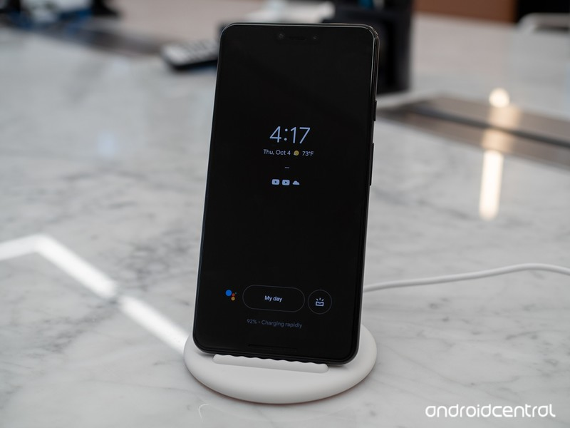 google-pixel-stand-wireless-pixel-3-xl-1