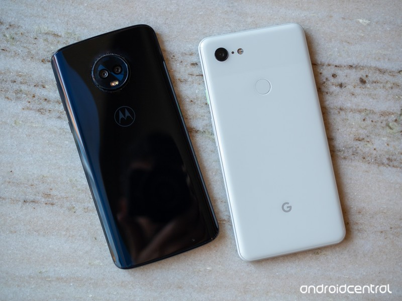 moto-g6-plus-vs-pixel-3-xl.jpg?itok=v5Wt