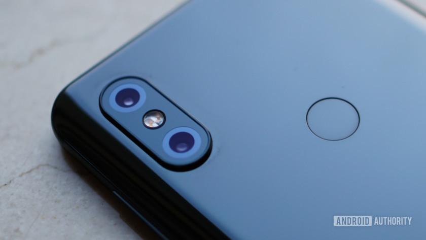 Xiaomi Mi Mix 3 - camera and fingerprint sensor closeup