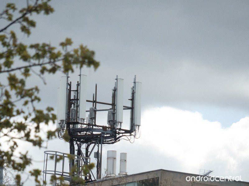 cell-tower.jpg?itok=nzOIYzKm