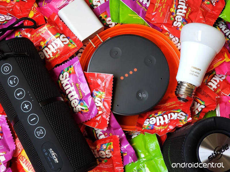 smart-home-halloween-hero-hue-tichome-sb