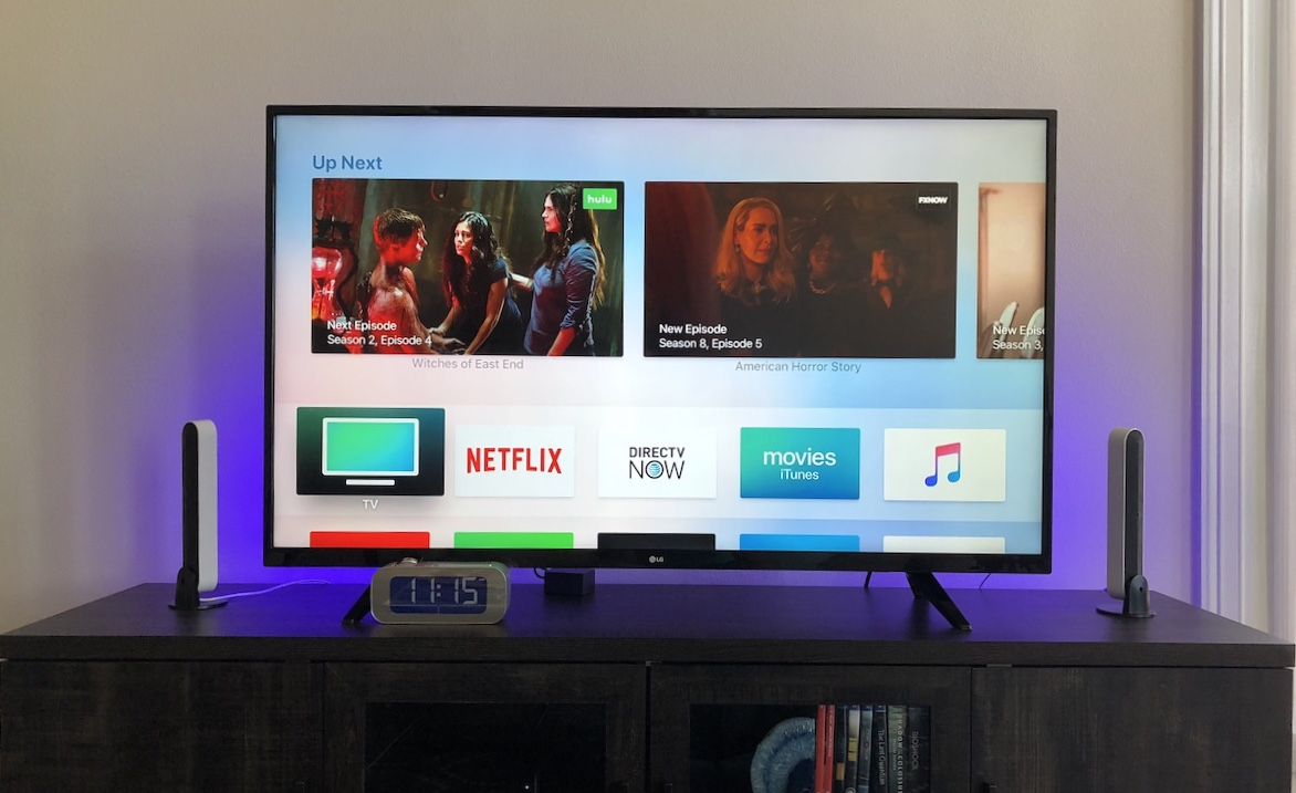 Review: Philips Hue Play Adds Bright Bias Lighting to Your