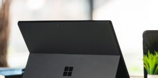 Microsoft patent could let you write on both sides of the Surface Pro