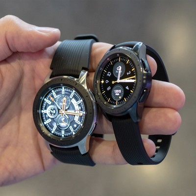 galaxy-watch-ekcn.jpg?itok=aR1ex_7U