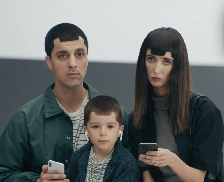 samsung-commercial-notches-funny-screen-