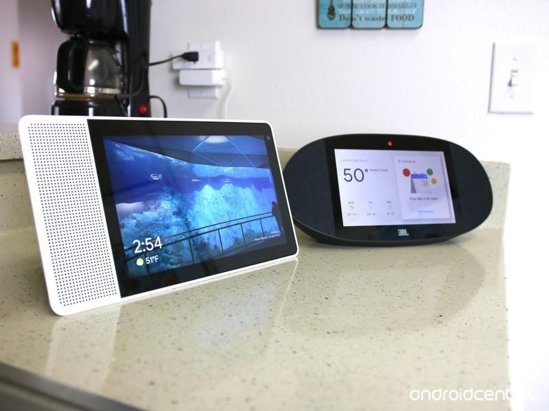 lenovo-smart-display-vs-jbl-link-view-1.