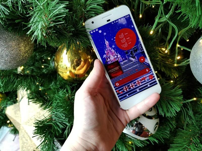 holiday-theme-tree-pixel.jpg?itok=nmd-Lq