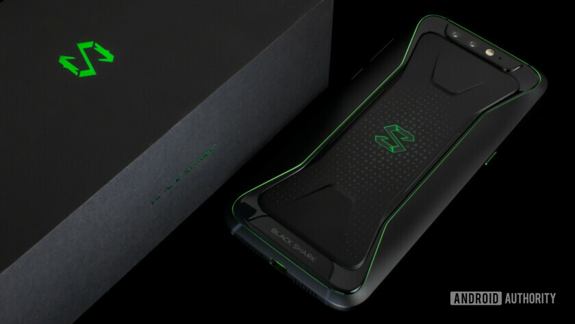 back of xiaomi black shark with retail box