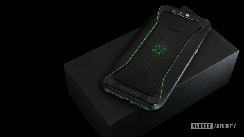 back of xiaomi black shark on retail box