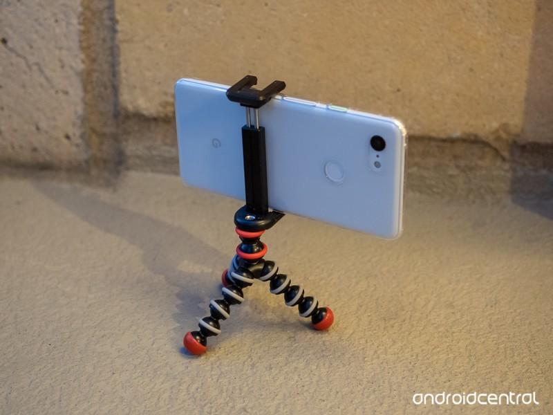 pixel-3-xl-mini-tripod-evening.jpg?itok=