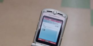 The Motorola Razr may return as a foldable phone — for $1,500
