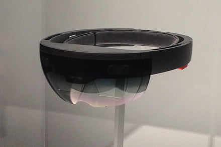 Cryptic video teases Microsoft's next-generation HoloLens 2 headset
