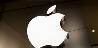 SEC Charges Former Apple Lawyer Gene Levoff With Insider Trading