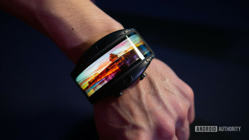 Nubia Alpha Hands On flexible oled on wrist