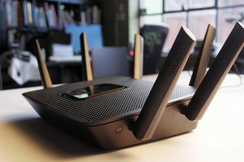 linksys-router2.jpg?itok=pfWMWk81