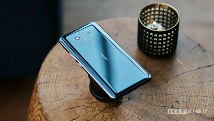 Nokia 9 on wooden table