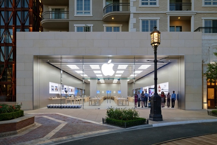 Apple Store in Southern California Warning Customers About Fraudulent Phone Calls