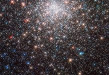New Hubble image displays dazzling Messier 28 globular cluster