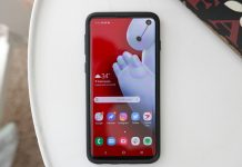 Spigen's Neo Hybrid case update is better than ever on the Galaxy S10
