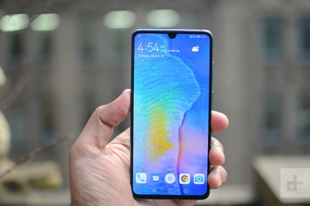 Huawei P30 vs. Galaxy S10 vs. iPhone XS: Which small flagship is best?