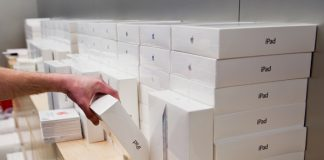 Canadian Accountant Caught Buying Nearly $7 Million Worth of iPhones and iPads With Company Credit Card