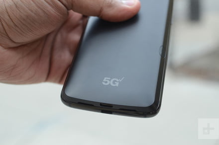 Should you buy a 5G phone? I tried Verizon's new network in Chicago to find out