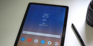 Does the Galaxy Tab S4 come with a stylus in the box?