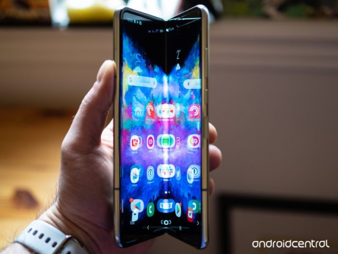 Samsung Galaxy Fold hands-on: The tablet that (almost) fits in your pocket
