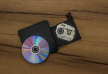 Mueller report releases on CD, forces Congress to find PCs with disc drives
