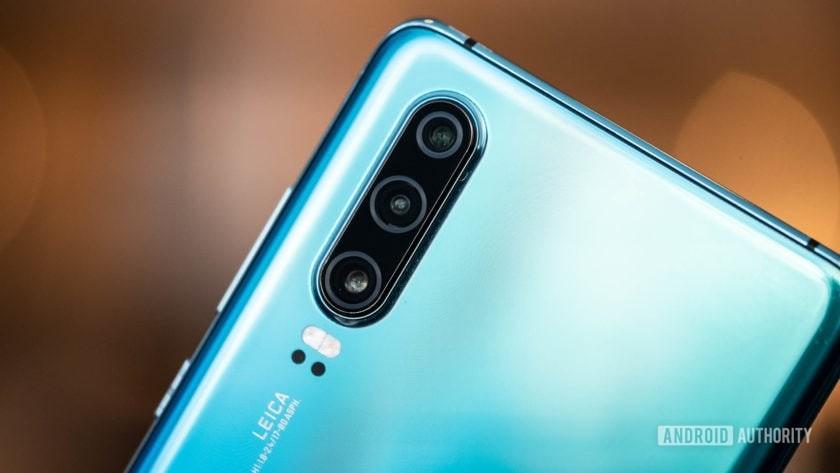 Huawei P30 camera array angled