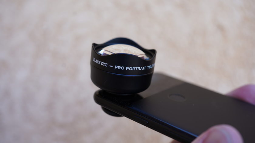Black Eye Pro Kit G4 review telephoto on phone